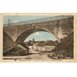 carte postale ancienne 87 CHALUS. Pont du Chemin de Fer Route de Nontron 1938