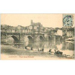 carte postale ancienne 87 LIMOGES. Lavandières Laveuses Pont Saint-Etienne 1905