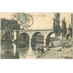 carte postale ancienne 87 LIMOGES. Le Pont Neuf 1906 Laveuses Lavandières