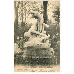 carte postale ancienne 87 LIMOGES. Monument Le Chêne et le Roseau 1903 belle animation