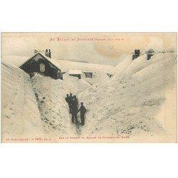 carte postale ancienne 88 AU BALLON DE SERVANCE. Douaniers sur le Sommet dans la Neige