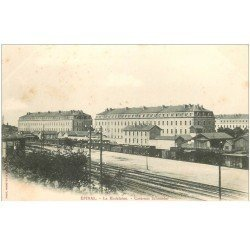 carte postale ancienne 88 EPINAL. La Madeleine Caserne Schneider vers 1900 et Chemin de Fer