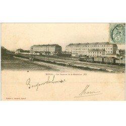carte postale ancienne 88 EPINAL. Les Casernes de la Madeleine 1903 avec Train