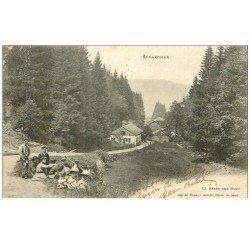 carte postale ancienne 88 GERARDMER. Elégantes, Moissonneur Bûcheron à la Basse des Rupt 1904