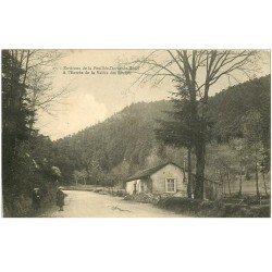 carte postale ancienne 88 LA FEUILLEE DOROTHEE. Le Val d'Ajol Grand Hôtel entrée Vallée des Roches animation
