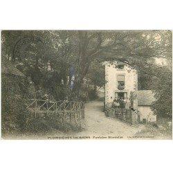 carte postale ancienne 88 PLOMBIERES LES BAINS. Fontaine Stanislas 1907 animation