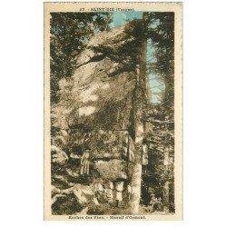 carte postale ancienne 88 SAINT DIE. Roches des Fées Massif Ormont 1924 avec Femme