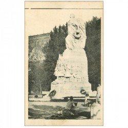 carte postale ancienne 90 BELFORT. Enfants au pied d'un Monument
