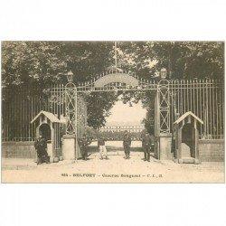 carte postale ancienne 90 BELFORT. La Caserne Bougenel. Militaires et Sentinelles 1915