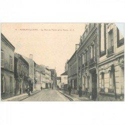 carte postale ancienne 93 AUBERVILLIERS. La Poste rue de Pantin 1915. Carte biseautée coin droit...