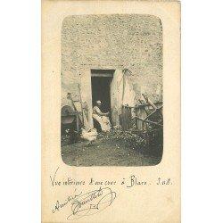 78 BLARU. La Cour d'une Ferme avec paysanne et poules. Rare Photo carte postale 1904