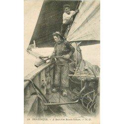 59 DUNKERQUE. A bord d'un Bateau Pêcheur. Métiers de la Mer. Tampon Militaire 1914