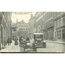 58 NEVERS. Motos side-car et Voiture anciennes Place Guy Coquille Square