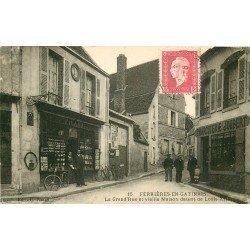 45 FERRIERES EN GATINAIS. Charcuterie et Magasin de Cartes Postales sur Grand'Rue 1926
