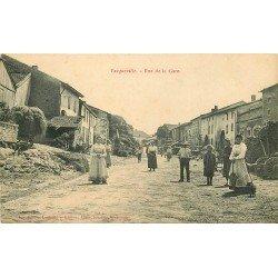 54 VACQUEVILLE. Belle animation rue de la Gare 1905
