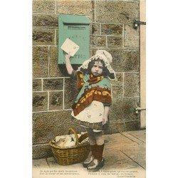 FANTAISIE. Petite Normande et boîte aux lettres par Ermice