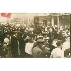 93 MONTREUIL SOUS BOIS. Fanfare Amicale Montreuilloise. Truiterie Chobert et Tabac Buret Rue de Paris 1907