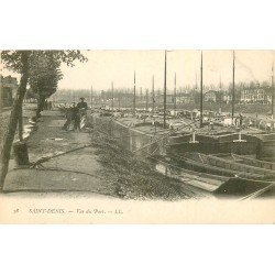 93 SAINT DENIS. Péniches dans le Port vers 1900