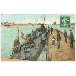 carte postale ancienne 14 OUISTREHAM. Torpilleur dans l'Avant-Port 1910