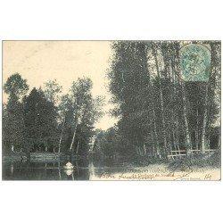 carte postale ancienne 14 PONT-D'OUILLY. Rameur au Confluent du Noireau 1905