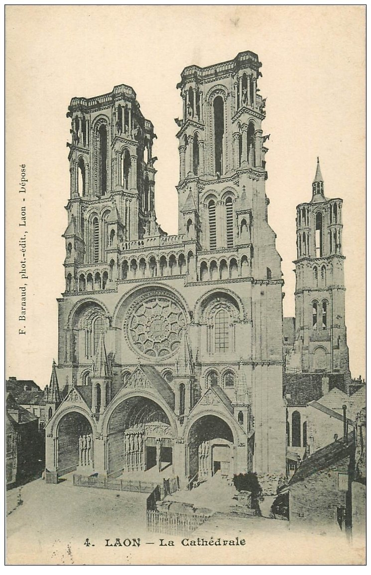 carte postale ancienne 02 LAON. La Cathédrale 1905