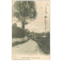 carte postale ancienne 95 AUVERS SUR OISE. Le Pont du Château 1904 plissure
