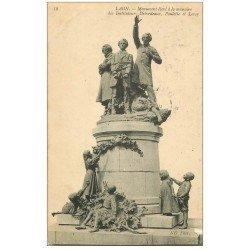 carte postale ancienne 02 LAON. Monument des Instituteurs 1909