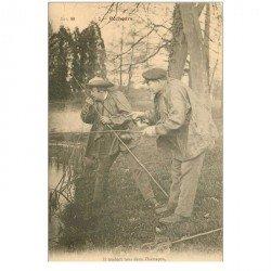 carte postale ancienne 95 PONTOISE. Deux Pêcheurs à la ligne. Pêches et Poissons