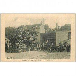 carte postale ancienne 94 BOISSY SAINT LEGER. Intérieur de Tourne Bride à Coudreau 1928 attelages