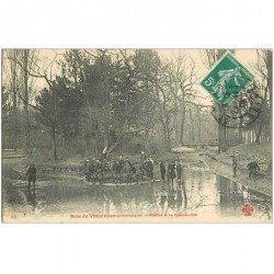 carte postale ancienne 94 BOIS DE VINCENNES. La Pêche à la Grenouille 1909