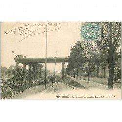 carte postale ancienne 92 CLICHY. Les Quais. Grandes Grues du Gaz et Péniches 1904