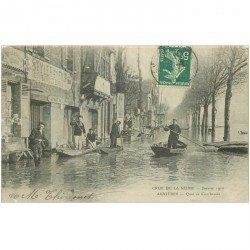 carte postale ancienne 92 ASNIERES SUR SEINE. Quai de Courbevoie. Sauveteurs en barque Crue de la Seine de 1910