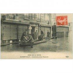 carte postale ancienne 94 ALFORVILLE. Crue 1910. Construction Passerelle par Militaires devant Mercerie Coiffeur. Pour Alger