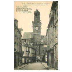 carte postale ancienne 14 VIRE. Porte-Horloge et sa Cloche. Magasin de cartes postales