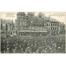 carte postale ancienne 02 SAINT-QUENTIN. Remise de la Croix de Guerre par Poincaré. Café de Paris