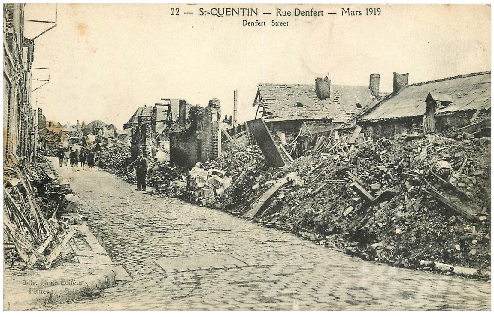 carte postale ancienne 02 SAINT-QUENTIN. rue Denfert en 1919