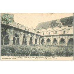 carte postale ancienne 02 SOISSONS. Abbaye Saint-Jean des Vignes. Cloître 1907