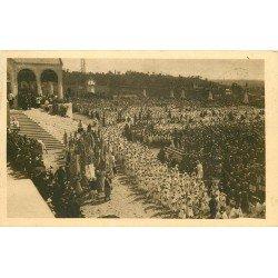 carte postale ancienne 14 LISIEUX. Cérémonie sur Parvis de la Basilique 1935