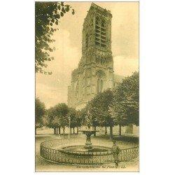 carte postale ancienne 02 SOISSONS. Fontaine Place de la Cathédrale. Edition Martin