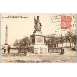 carte postale ancienne 15 AURILLAC. Statue du Pape Gerbert vers 1923