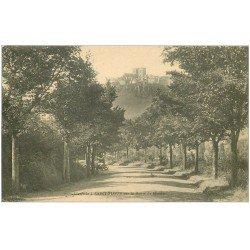 carte postale ancienne 15 SAINT-FLOUR. Voiture Tacot Route de Massiac