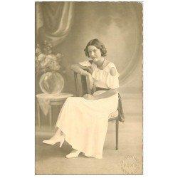 carte postale ancienne 16 ANGOULEME. Carte Photo Superbe Jeune Femme. Cachet du Photographe Bonnet