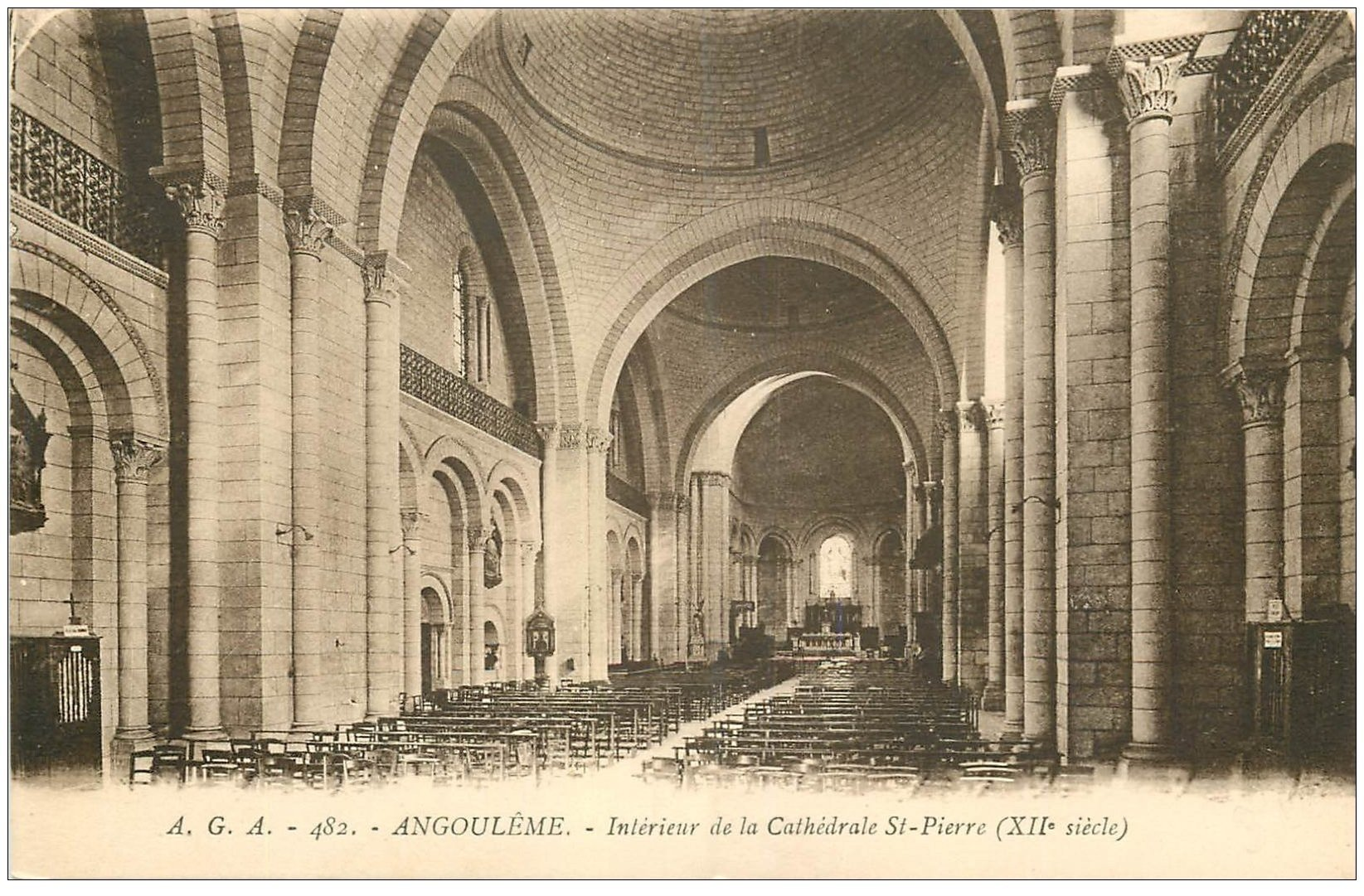 16 angouleme cath drale saint pierre int rieur for Angouleme 16