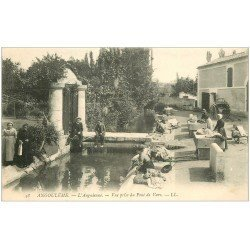carte postale ancienne 16 ANGOULEME. Lavandières Laveuses sur l'Anguienne