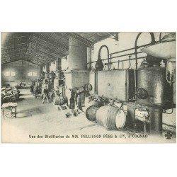 carte postale ancienne 16 COGNAC. Employés Distillerie Pellisson