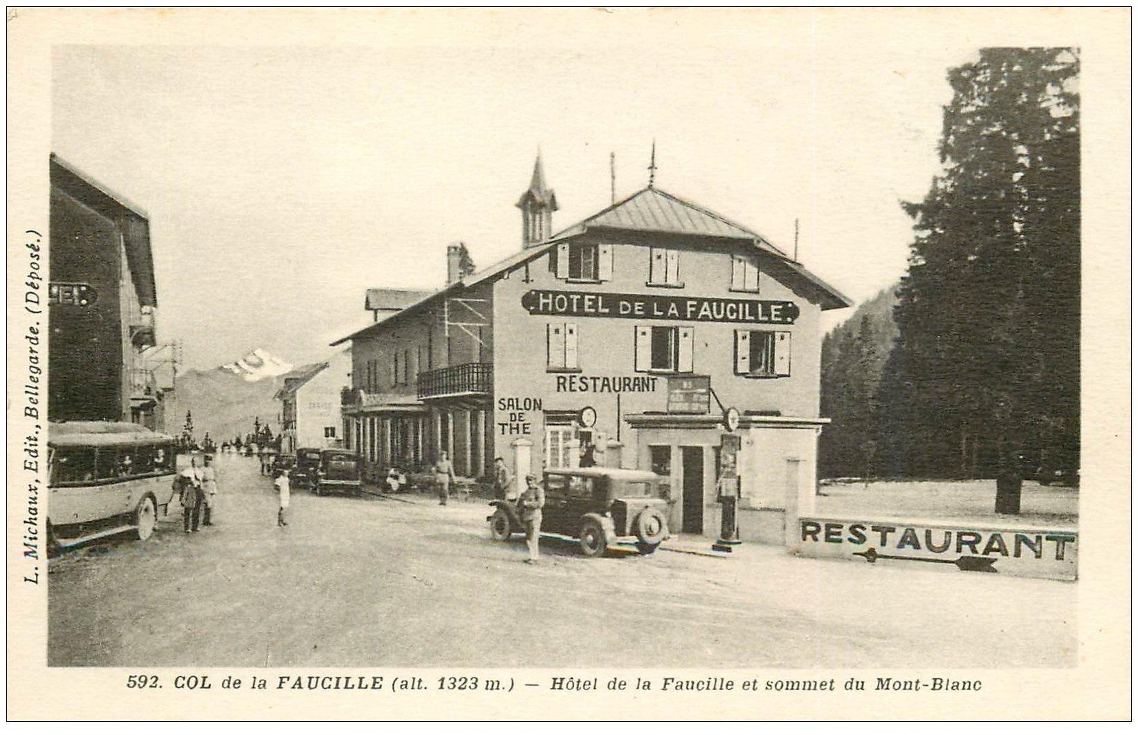 carte postale ancienne 01 Col de la Faucille. Hôtel et Pompe à essence