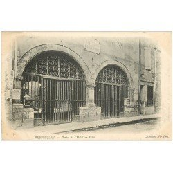 carte postale ancienne 66 PERPIGNAN. Portes Hôtel de Ville 1905
