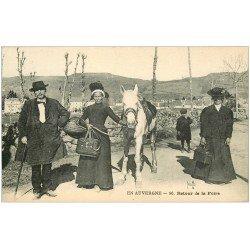carte postale ancienne 63 AUVERGNE. Retour de la Foire 1923