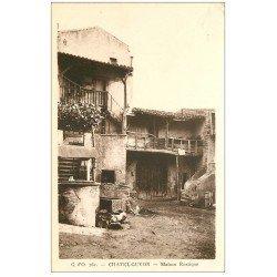 carte postale ancienne 63 CHATEL-GUYON. Maison rustique et Puits