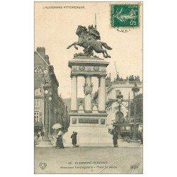 carte postale ancienne 63 CLERMONT-FERRAND. Statue Vercingétorix 1910 et Hippomobile